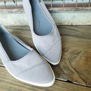 New! Sanuk Sneaker